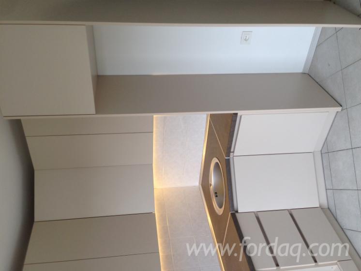 vend armoires de cuisine design autres mati res panneau mdf. Black Bedroom Furniture Sets. Home Design Ideas