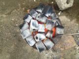 Energie- und Feuerholz - Eukalyptus Kohlebriketts 4-5cm with the hole 1.5cn cm