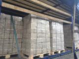 Lenha, Pellets E Resíduos - Vender Briquets De Madeira Abeto - Whitewood Eslováquia