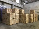 Schnittholz - Besäumtes Holz Zu Verkaufen - Alle Holzarten, 30 - 2000 m3 Spot - 1 Mal