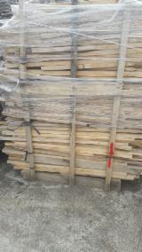 Nadelschnittholz, Besäumtes Holz Tanne Abies Asien - Parkettfriese, Sägefurnier, Tanne