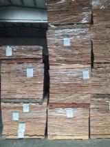 刨切单板  - Fordaq 在线 市場 - 天然木皮单板, 南洋杉, 平切,平坦