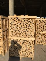 Buy Firewood/Woodlogs Cleaved from Romania - Beech Firewood/Woodlogs Cleaved, 25; 33; 40; 50 cm long