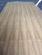 Plywood Supplies - Q/C natural teak plywood, quarter cut ev teak plywood