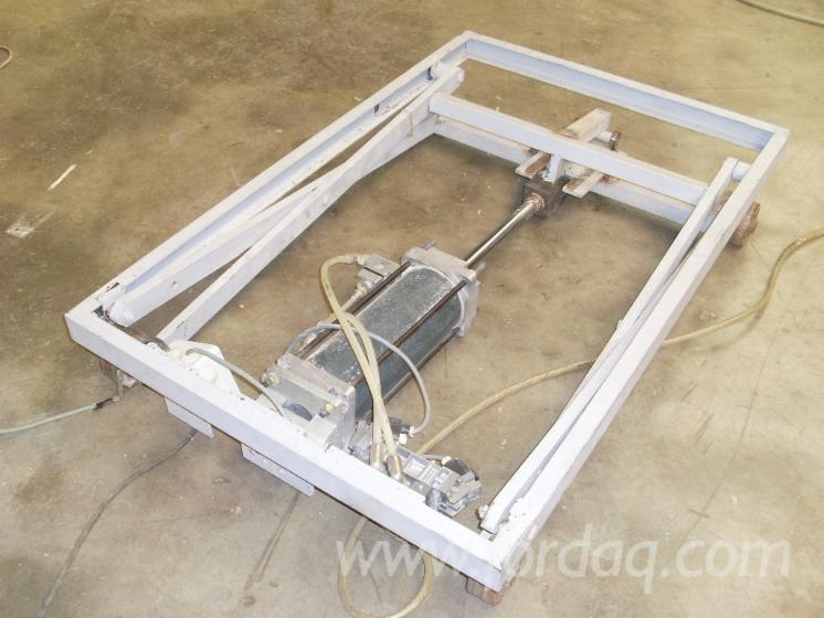A vendre table l vatrice pneumatique atlas - Table elevatrice occasion ...