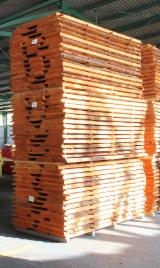 Hardwood  Sawn Timber - Lumber - Planed Timber Beech - European beech edged/unedged boards, fresh and lightly steamed