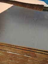 Vend Contreplaqué Filmé (Brun) Peuplier 12;  15;  18;  21 mm Chine