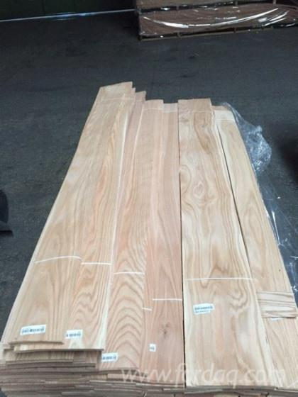 Red-Oak-Natural-Veneer--Quartered--0