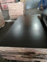 Black Film Faced Plywood, Hardwood Core, Phenolic Glue, 12; 15 mm thick