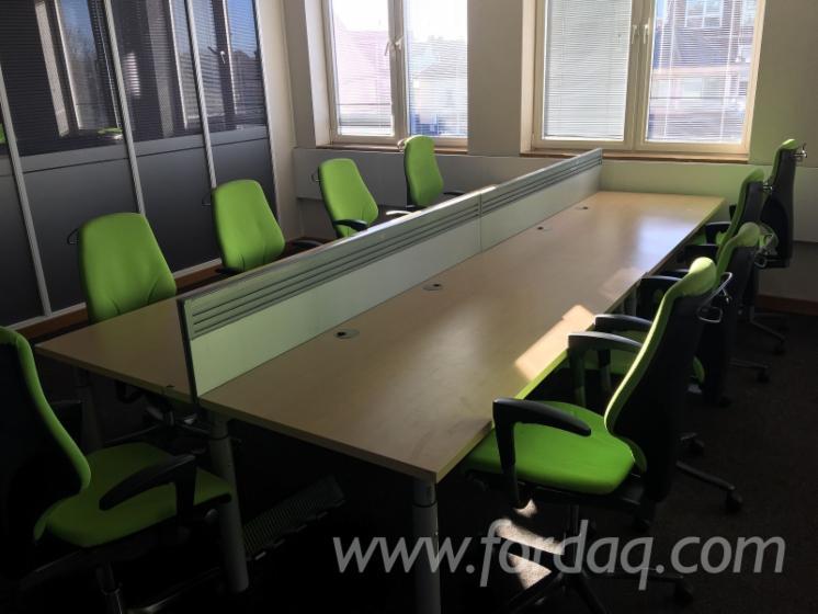 Vend ensemble de meubles pour bureau design feuillus européens