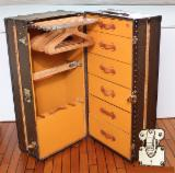 Wardrobes Bedroom Furniture - Wardrobe malle Louis Vuitton Trunk old leather leather 1935 wardrobe RARE ---- 11000Euro