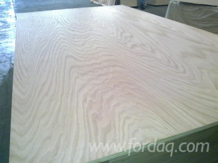 Rotary-Cut-Red-Oak-Plywood