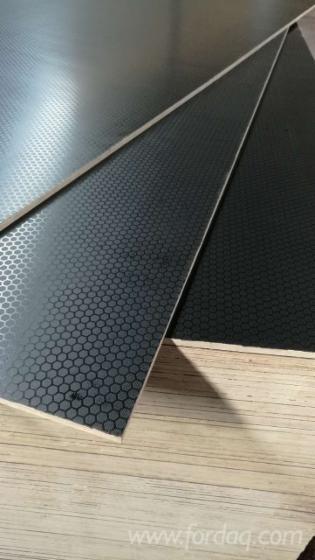 Black-And-Red-Anti-Slip-Film-Faced-Plywood--Combi-Core--WBP-Glue