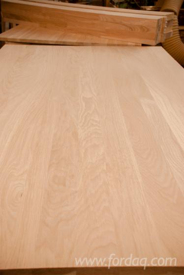 Glued-wooden-surface