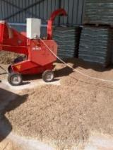 Wood Chipper Caravaggi Bio 250
