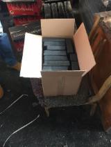 Brennholz, Pellets, Hackschnitzel, Restholz Zu Verkaufen - Holzkohle Pinikay Briketts 1a Qualität