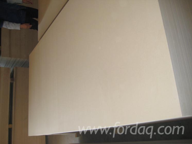 Vend-Panneaux-De-Fibres-Moyenne-Densit%C3%A9---MDF-6--18-mm