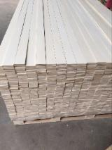 LVL - Laminated Veneer Lumber For Sale - Poplar laminated veneer lumber for flat bed slats, thickness up to 150 mm