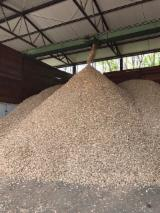null - Ash and Oak wood chips