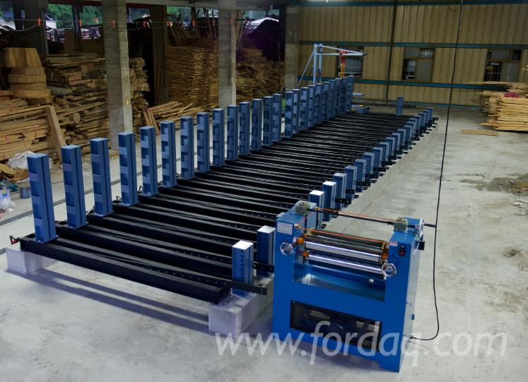 Curved-glulam-timber-press-with-hydraulic