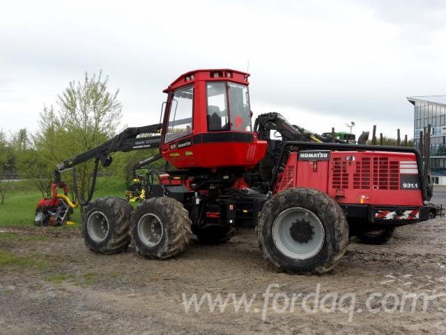 Used-Komatsu----6135-H-931-1-2011-Harvester