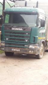 Maszyny Leśne Na Sprzedaż - Ciężarówka Do Przewozu Dłużycy Scania Używane 1996 Rumunia
