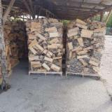 Buy Firewood/Woodlogs Cleaved from Romania - Beech Cleaved Firewood