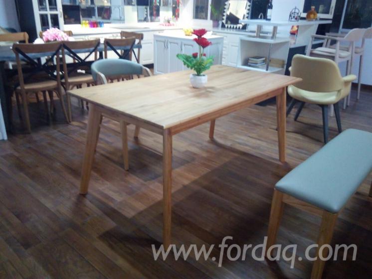 Oak Silinga Dining Tables