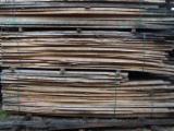 Laubholz  Blockware, Unbesäumtes Holz Zu Verkaufen Deutschland - Buche / Eiche / Esche Schnittholz in Stauholzsortierung 26 - 100 mm