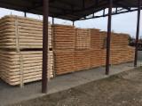 Drewniane Kłody Na Sprzedaż - Fordaq - Kłody Skrawane Obwodowo, Sosna Zwyczajna  - Redwood, Świerk  - Whitewood