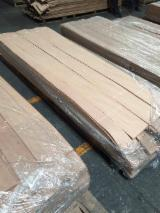 Oak Natural Veneer, Flat cut - plain, 0.55 mm thick
