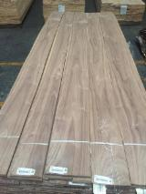 Walnut  Sliced Veneer - Walnut Natural Veneer, Flat cut - plain, 0.58 mm thick