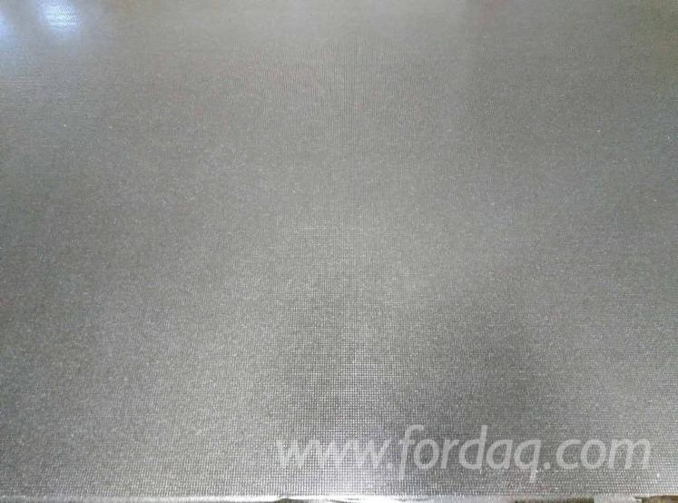 Anti-Slip-Black-Film-Faced-Eucalyptus-Plywood