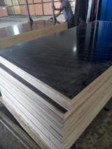 覆膜胶合板(黑膜), 杨树