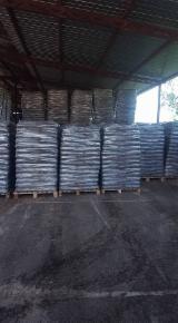 Leña, Pellets y Residuos - Bolitas De Madera CE Abeto  - Madera Blanca Bulgaria