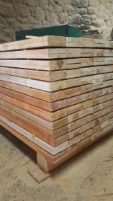 Schnittholz - Besäumtes Holz Zu Verkaufen - Grauerle, Esche , Birke, 100 - 1000 m3 pro Monat