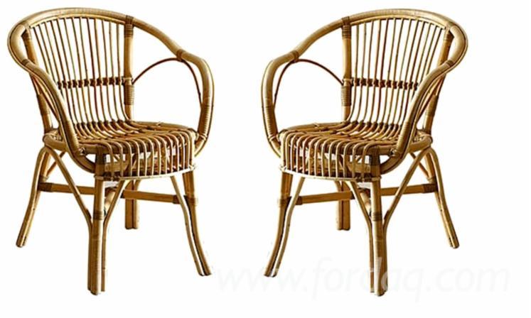 Sillas de comedor de mimbre dahlia silla mimbre o pvc for Sillas mimbre comedor