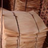 Furnierhandel - Laub Und Tropenholzfurnier - Birke, Eukalyptus, Pappel, Rundschälfurnier