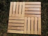 Terrassenholz Zu Verkaufen Bulgarien - Robinie , Belag (2 Abgestumpfte Kanten)