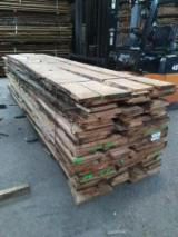 Hardwood  Unedged Timber - Flitches - Boules For Sale - Oak Unedged Loose Planks, KD, 26 mm thick
