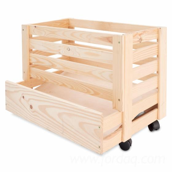 Wooden-boxes-for-potatoes-with-castors-31x37x50---61x42x43---full-truck