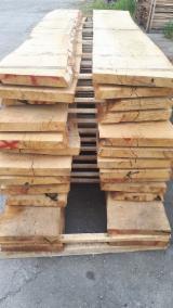 Drewno Liściaste  Drewno Okrągłe – Tarcica Blokowa – Tarcica Nieobrzynana Na Sprzedaż - Deski Jednostronnie Obrzynane, Dąb