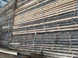 Laubholz  Blockware, Unbesäumtes Holz Zu Verkaufen - Eiche Schnittholz