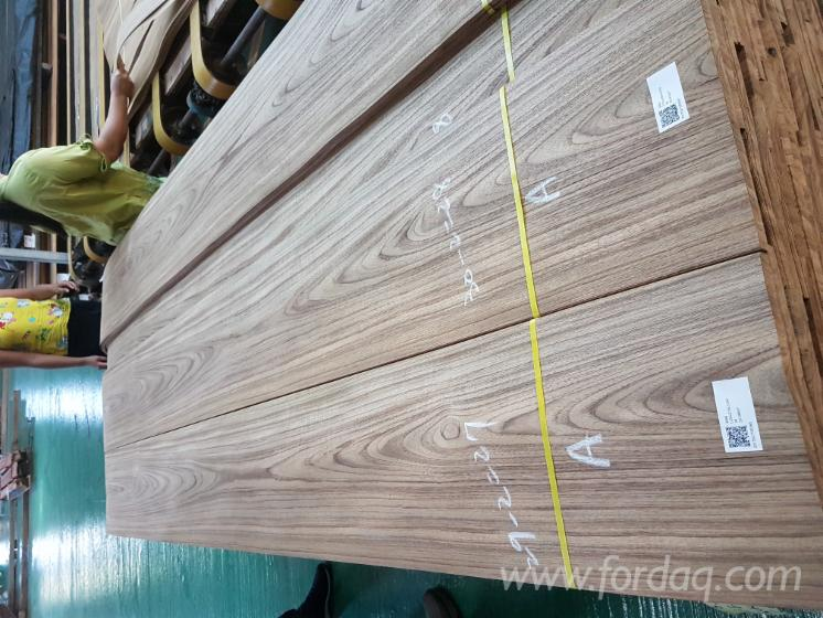 Teak-Veneer-crown-cut-in-0-55-mm