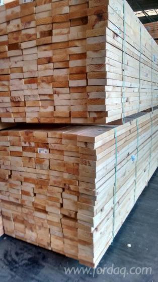 Sawn pine spruce and spf grade timber