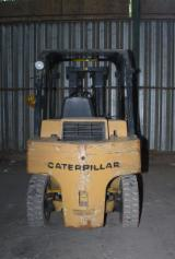 Woodworking Machinery - Caterpillar Forklift DP40, Used 1995