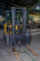 Caterpillar Woodworking Machinery - Used Caterpillar DP9000 2012 Forklift For Sale Peru