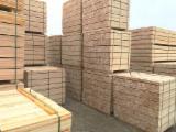 Schnittholz - Besäumtes Holz Zu Verkaufen - Kiefer  - Föhre, Fichte  , 50 - 400 m3 Spot - 1 Mal