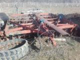 Tractor Agricol - Tractor u 650 cu toate utilajele la schimb cu lemn gater