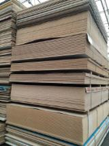 Engineered Panels for sale. Wholesale Engineered Panels exporters - 18 mm Particle Board France